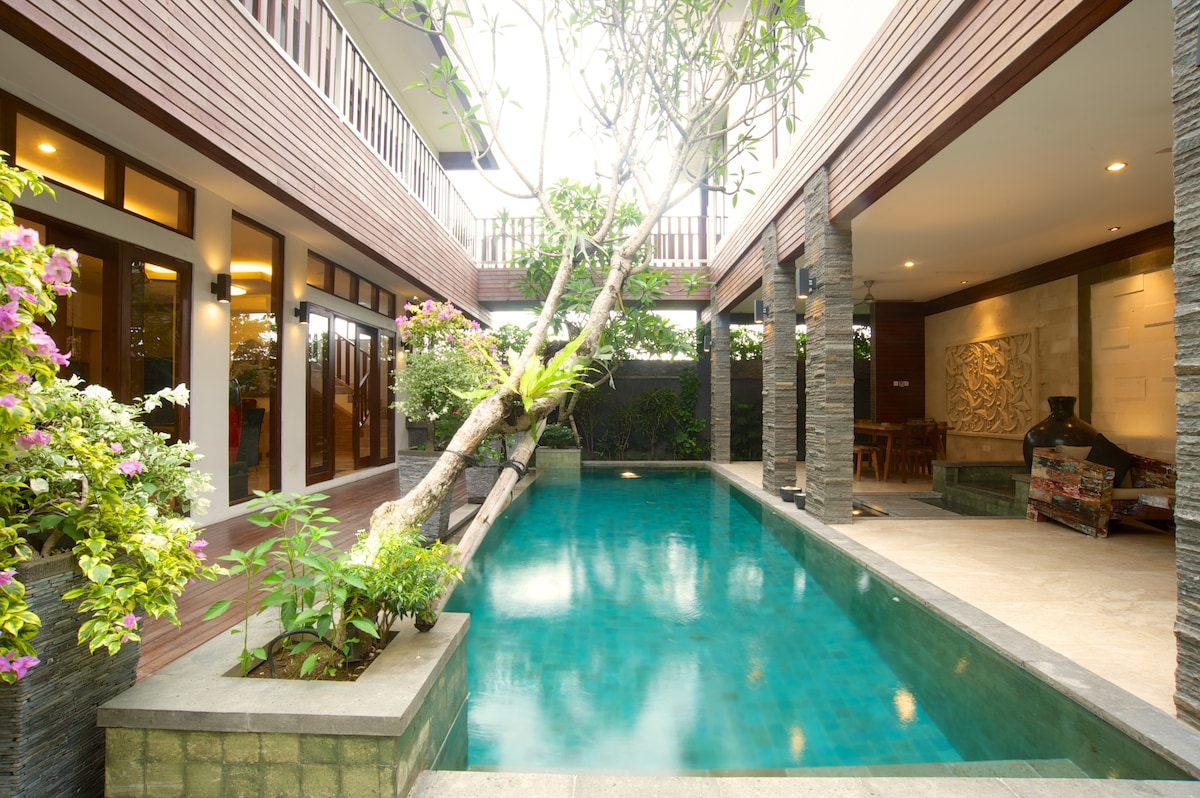 CLUB RESIDENCE -  WATERFALL VILLA