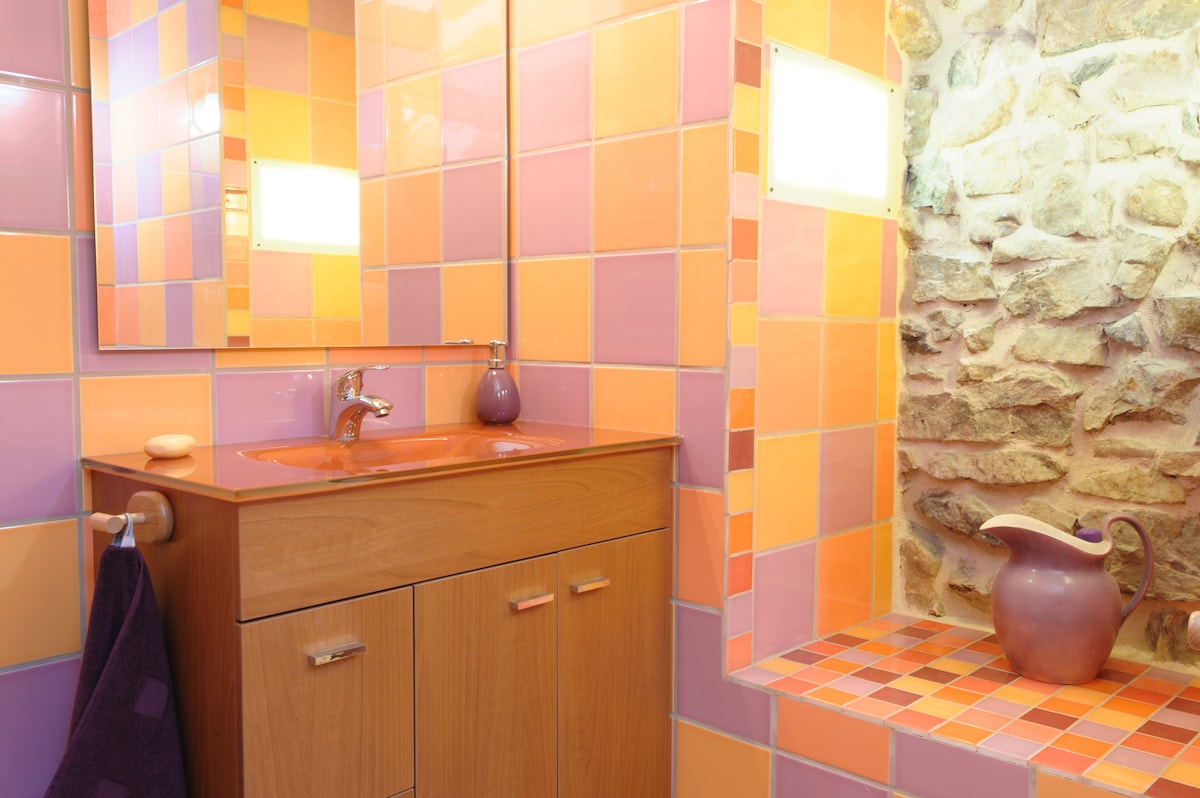 Mountains and city: Double ensuite