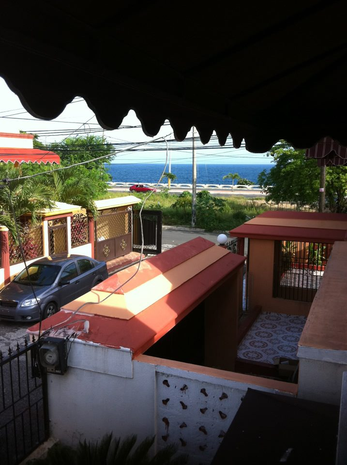 R DOUBLE ROOM 2 BEDS/WiFi & CABLETV
