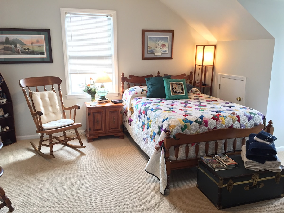 Comfy Rooms near Greenway