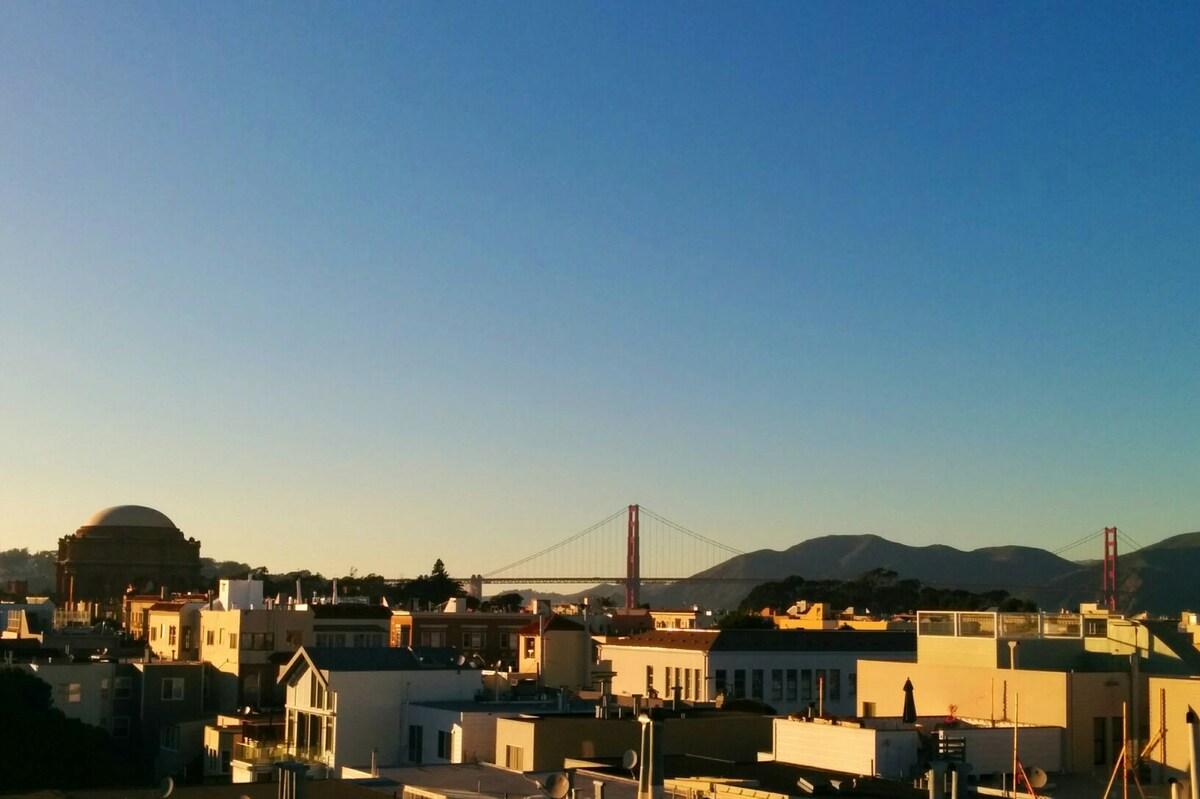 1 bedroom apt, view of Golden Gate!