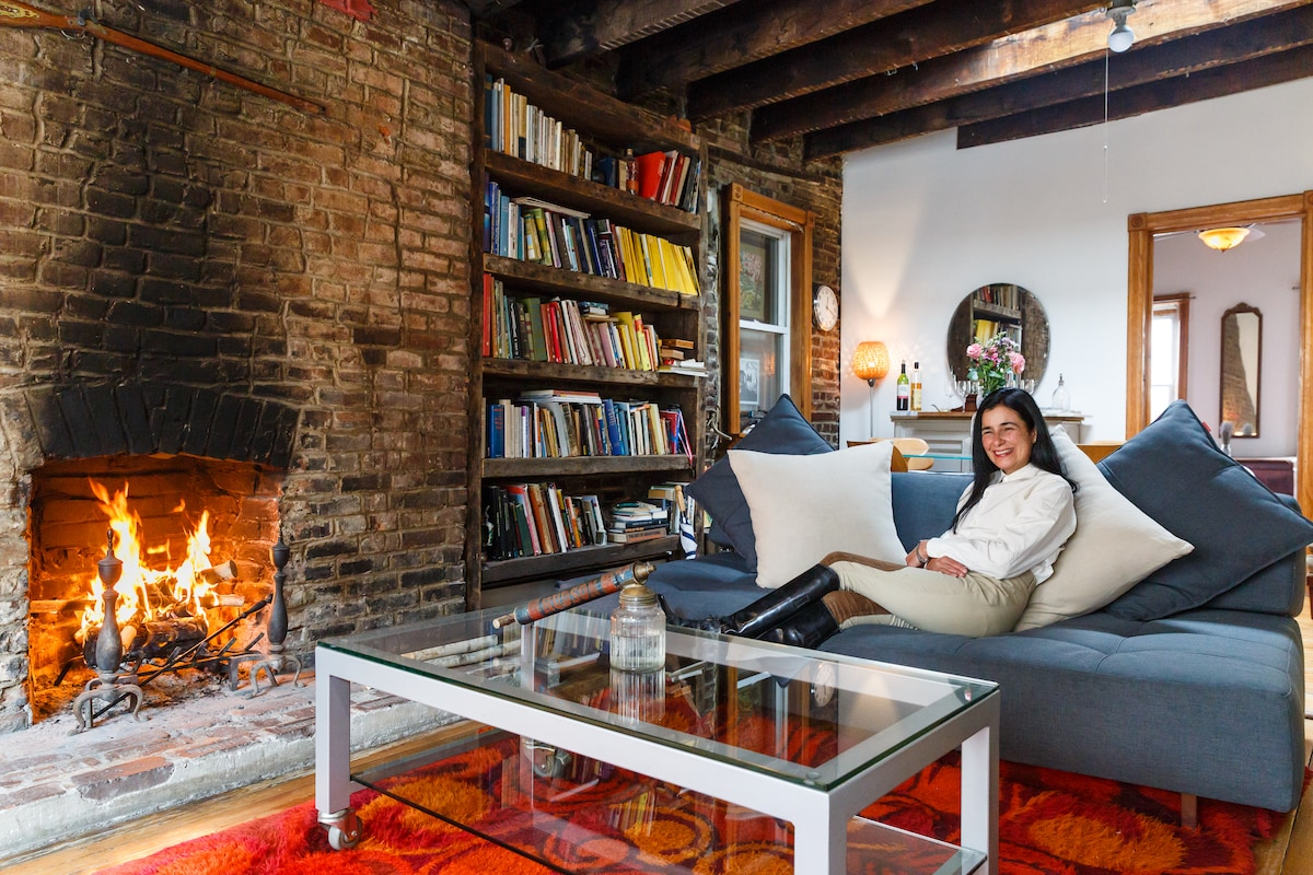 Fireplace works, but the place is kept warm in the winter by central heating, and cool in summer by air conditioning.