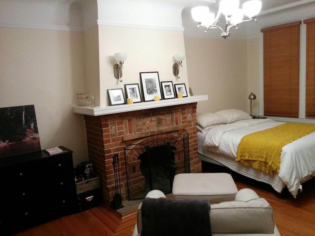 Huge Private Room in Noe Valley