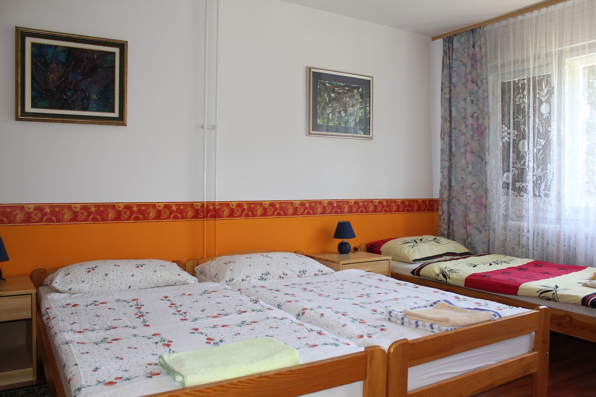 Rooms4Young-Room3