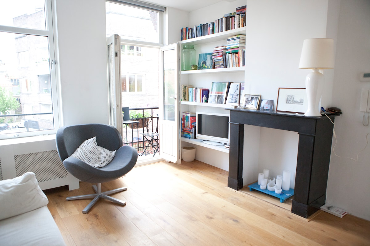 LOVELY REAL AMSTERDAM APARTMENT