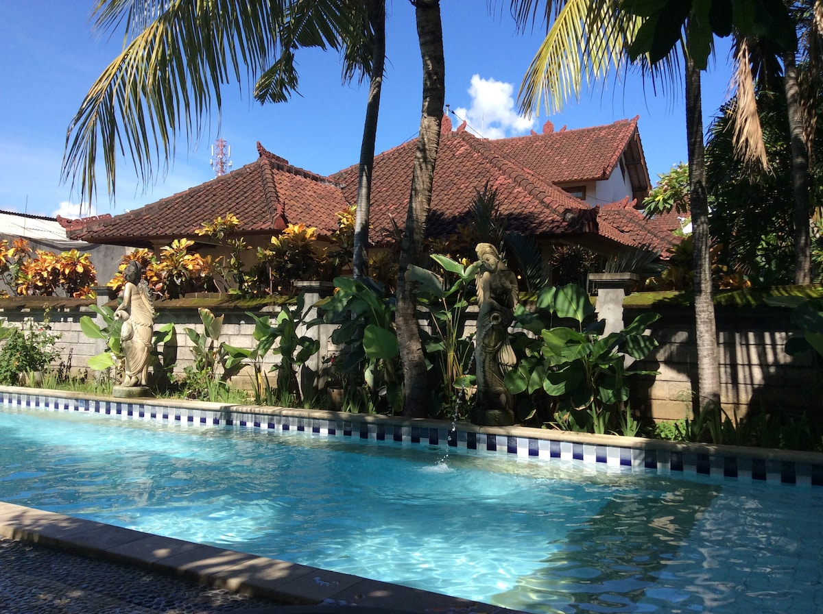 Nice, Large Swimming Nice Clean Swimming Pool, Balinese-style traditional architecture. Lovely tropical gardens.Pool, Balinese-style traditional architecture. Lovely tropical gardens.