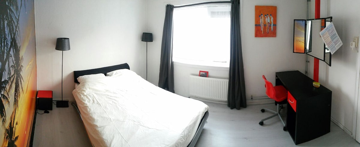 Cosy room for 2 nearby Amsterdam.