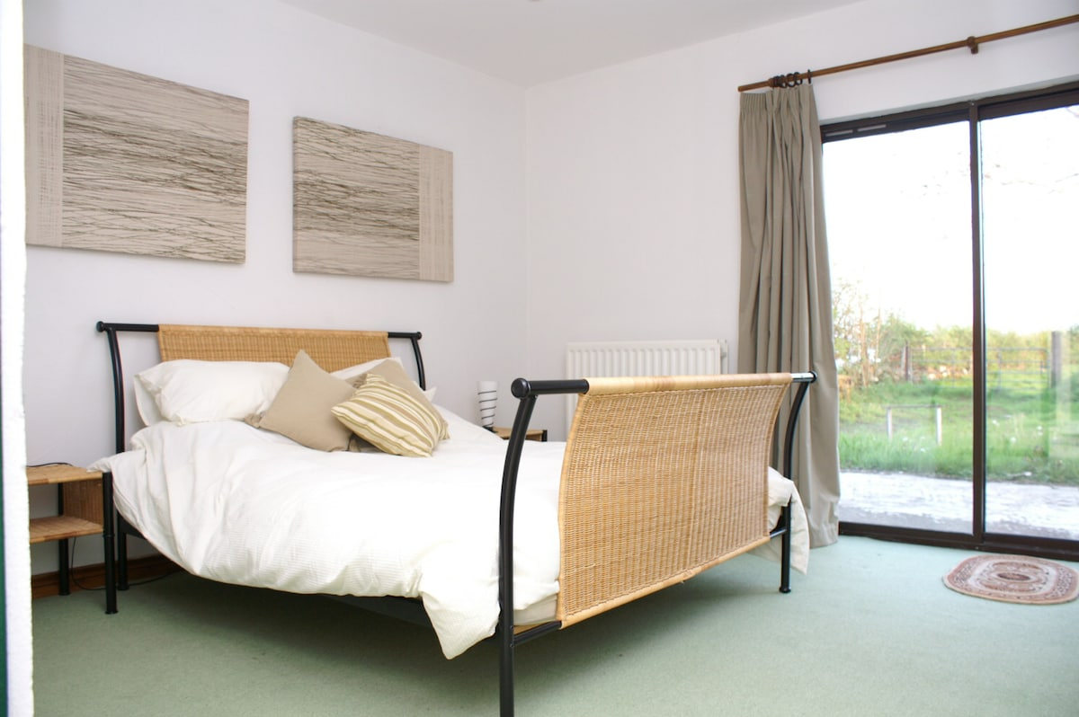 Double Ensuite Room in Country Home