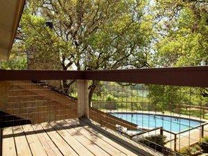 Home near DT/over Lake Austin/Pool!