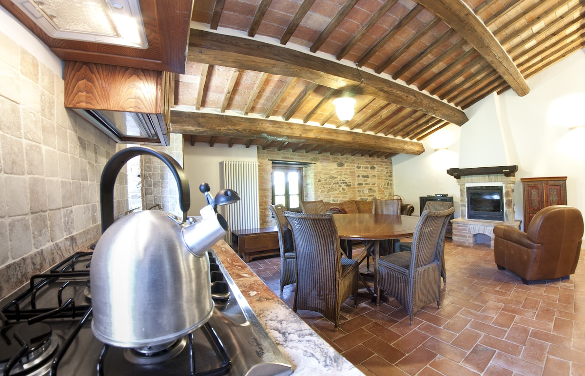Stone Farmhouse with Pool 5 - Italy