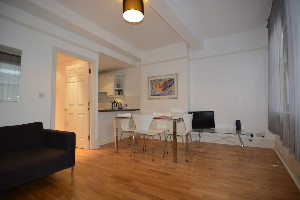 (CL04) Flat in central location