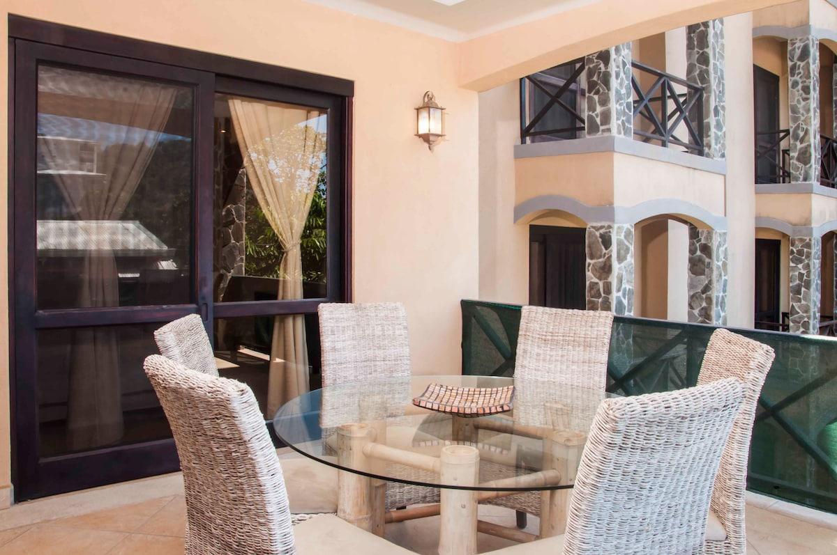 Luxury 3 Bedrooms Garden View Condo