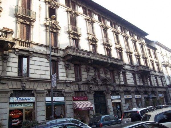 Two-room flat in the heart of Milan