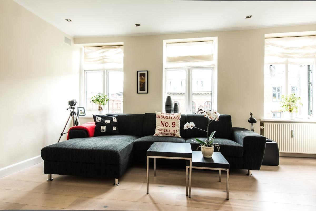 93m2 luxury apt w spa & roofterrace