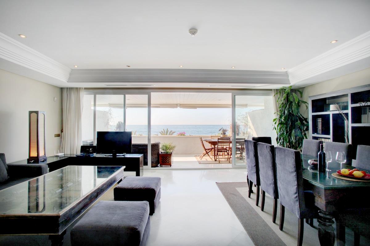 Stunning Luxury duplex by the Sea