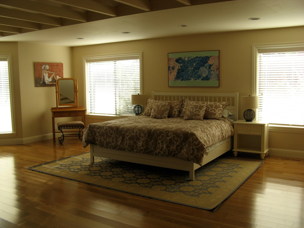 Master Bedroom #2  with King size bed
