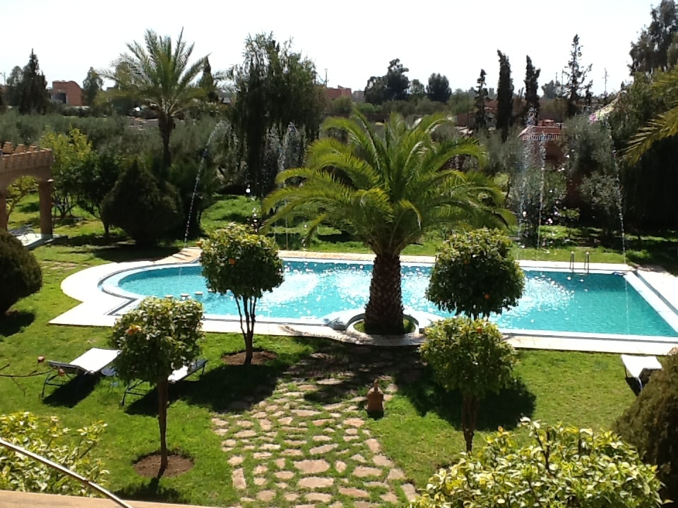 """Enjoy  typical Lunch & private pool in a hidden and private property in the """"Palmeraie"""" area"""