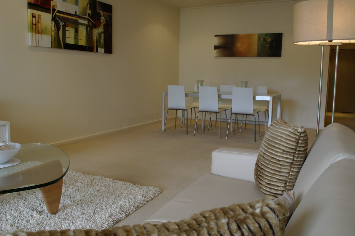 O1 2BR great position in  Elwood