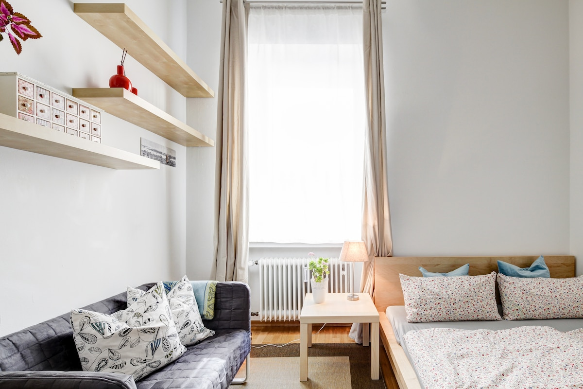 Cosy room in central Munich