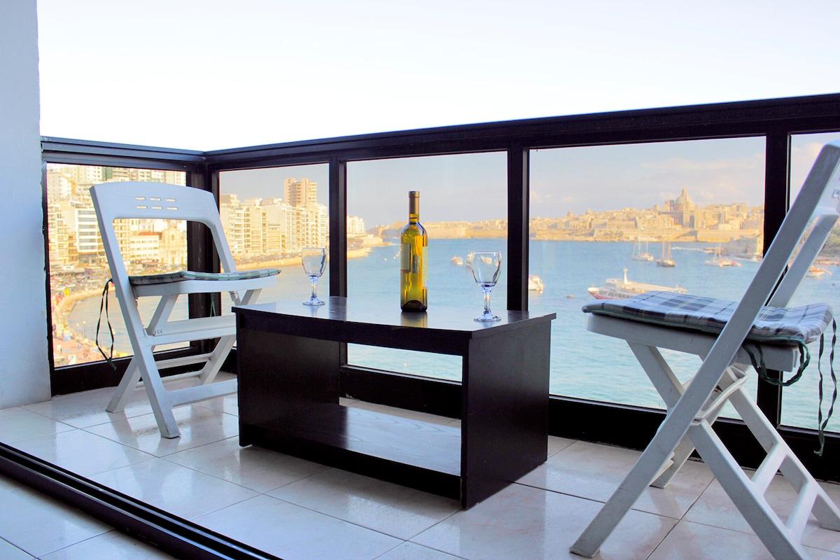 SPECTACULAR Sea & Valletta Views