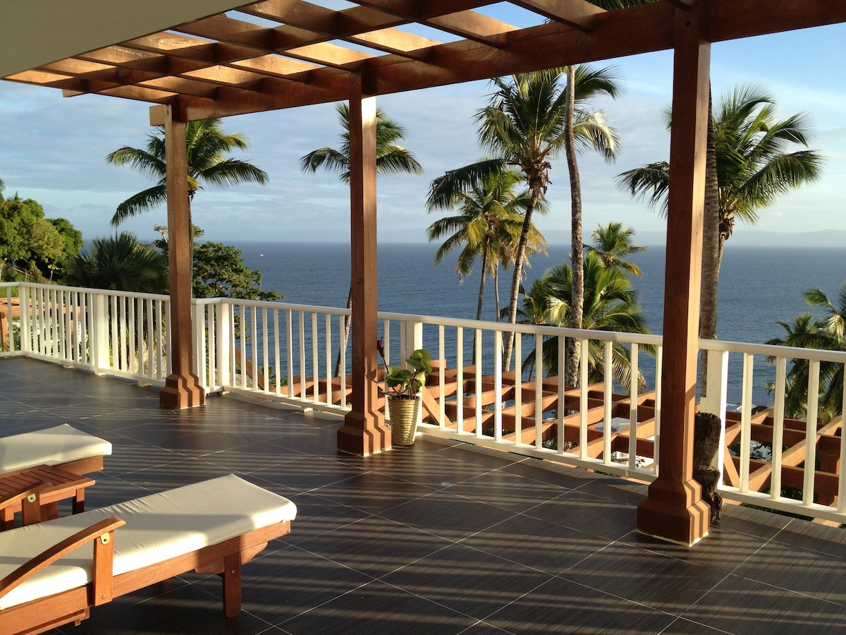 2 Bedroom Luxury Ocean View Condo