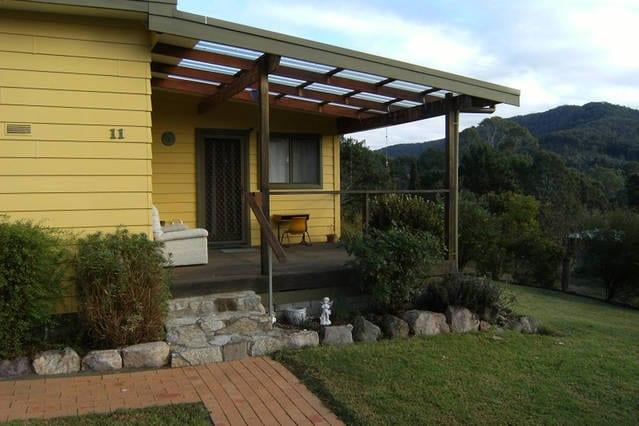 The Yellow Retreat, Wyndham, NSW