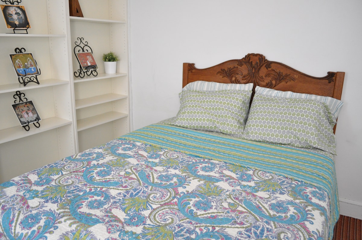 Sunny Large Bedroom for the Budget Traveler