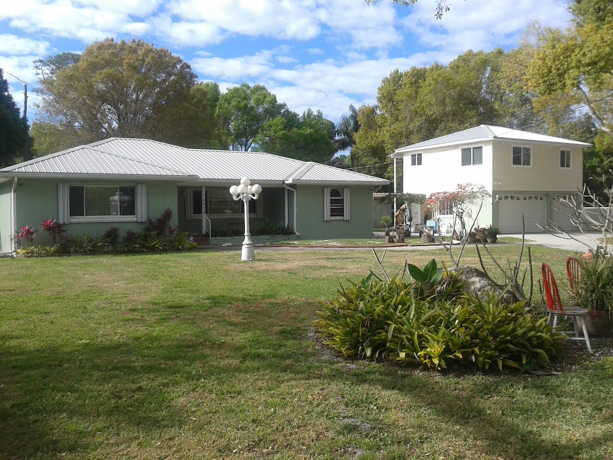 shared house 3 miles from beach