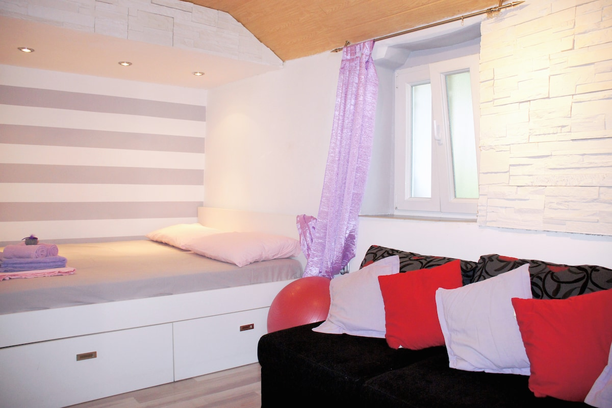 Buzzy Apartment in the Split,Center