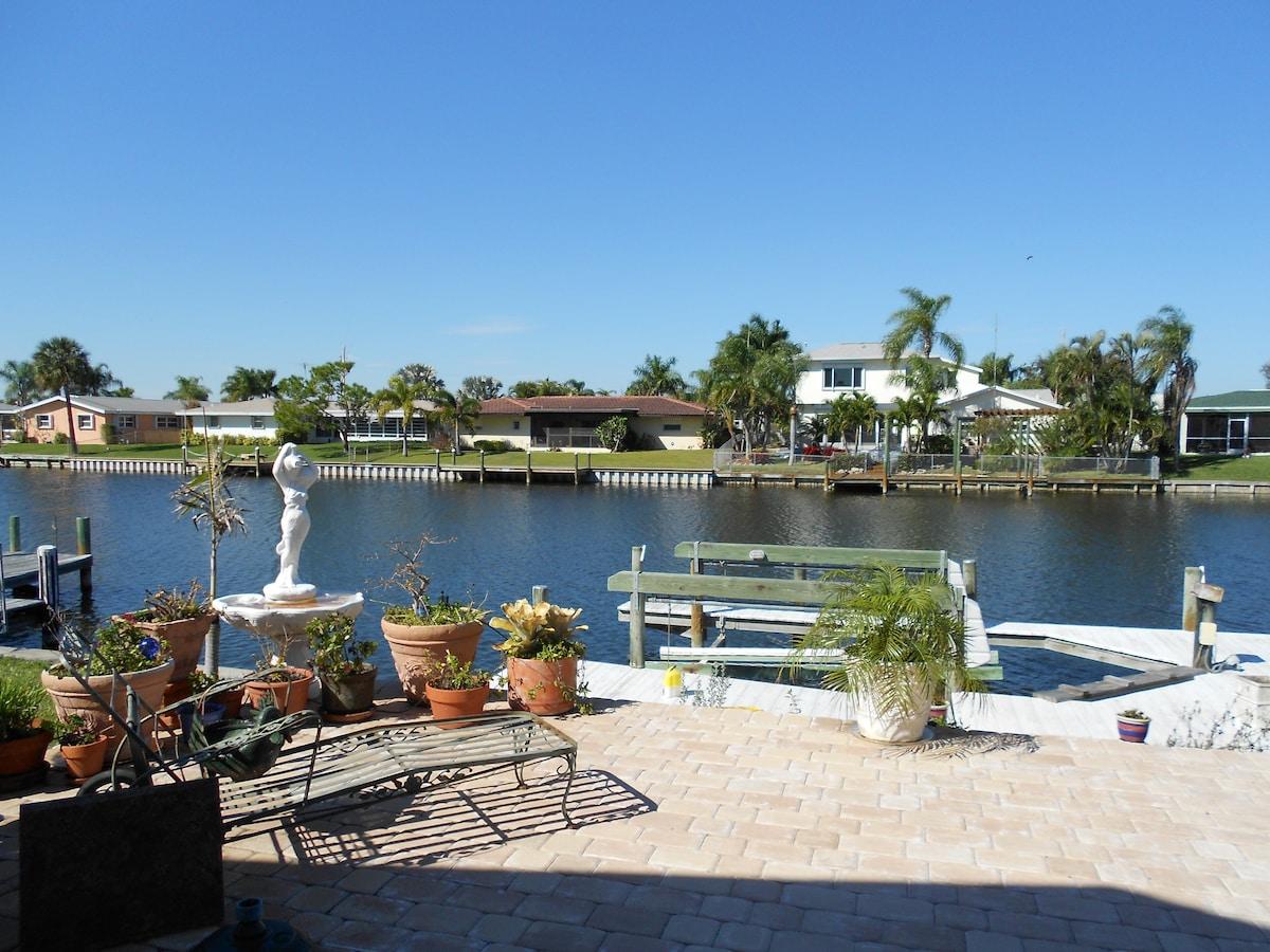 Beautiful Waterfront Home near Bch