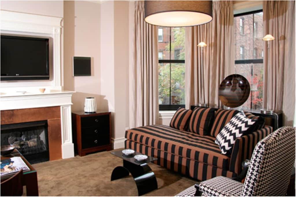 One-Bedroom Standard Suite