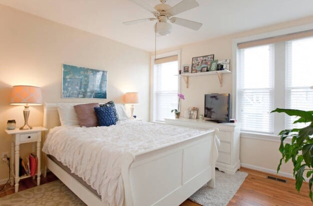 Sunny bedroom centrally located