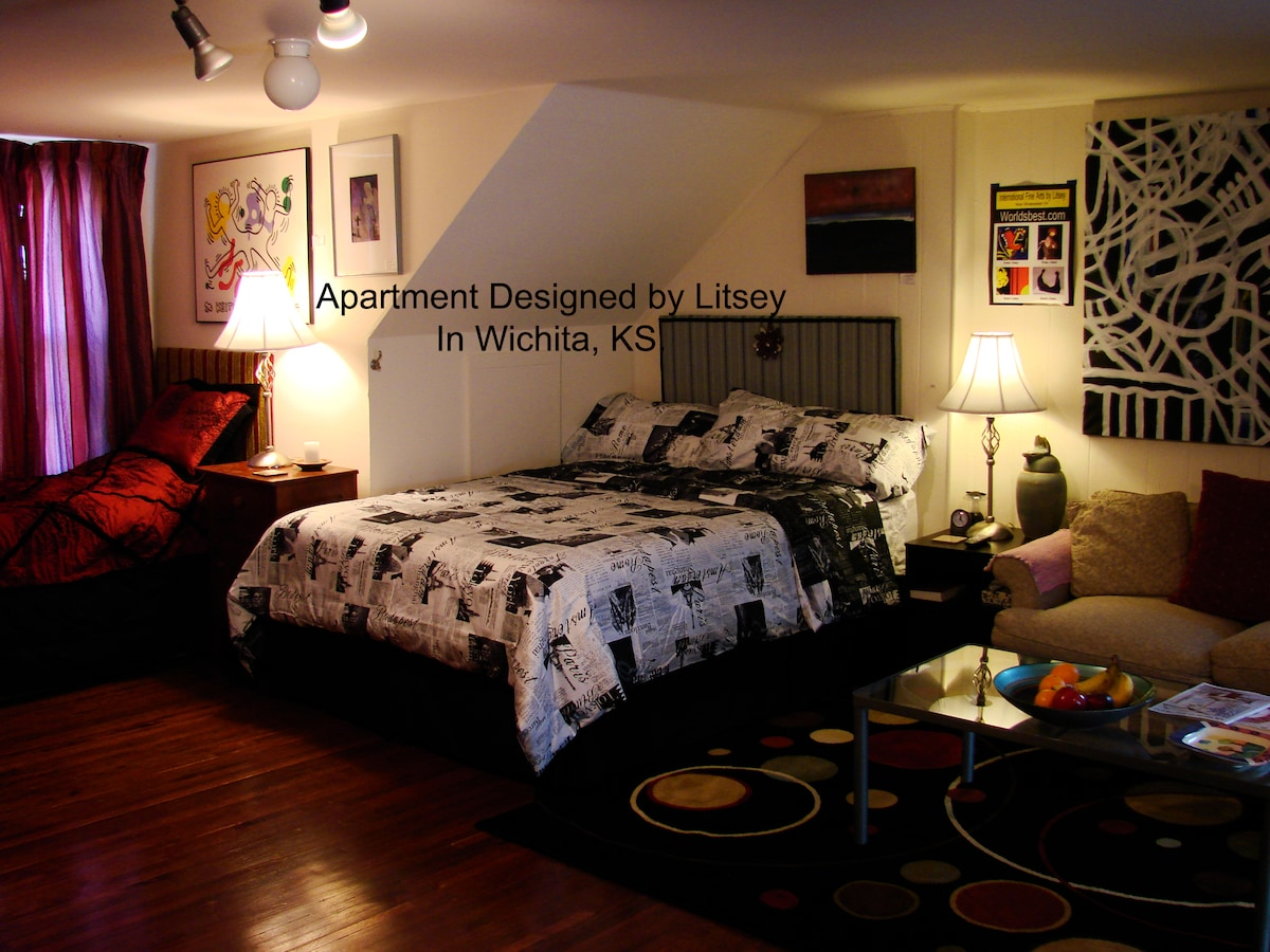 Studio Apt. New Beds, & Art Gallery