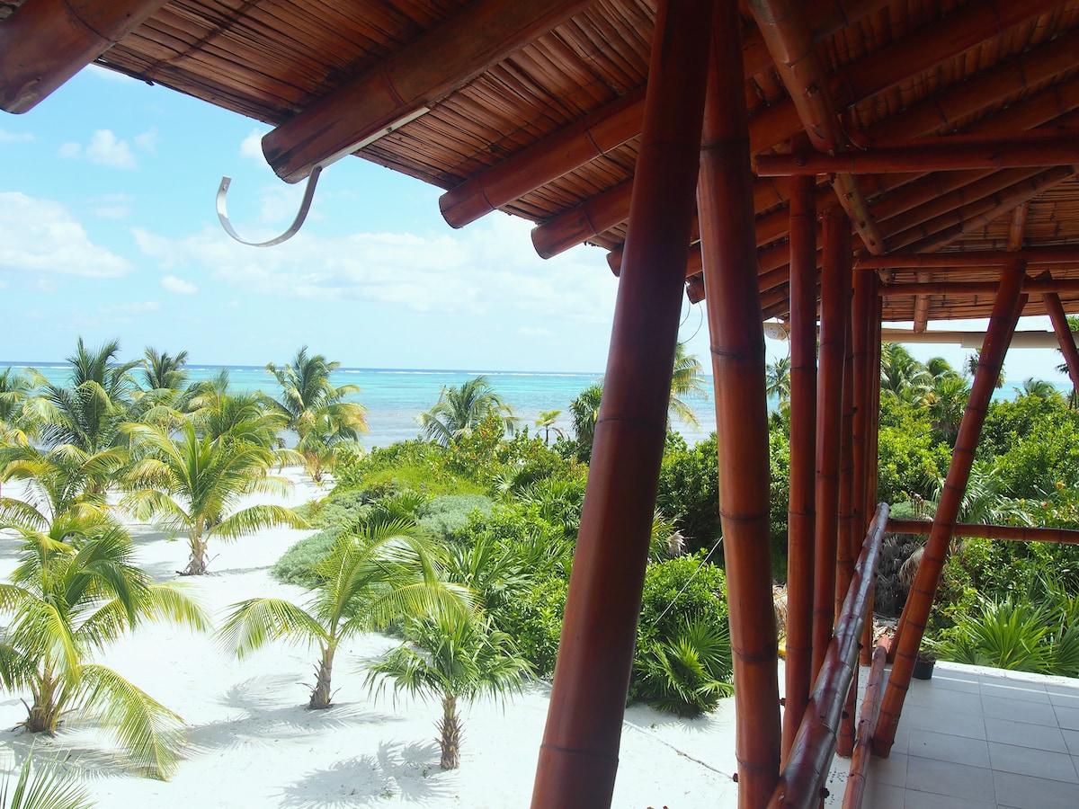 Bamboo cabaña in Caribbean heaven