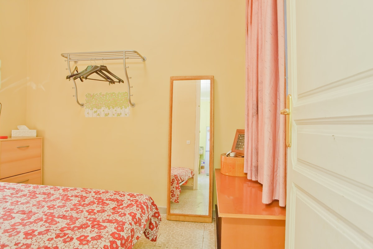 Double room in Spacious & nice Flat