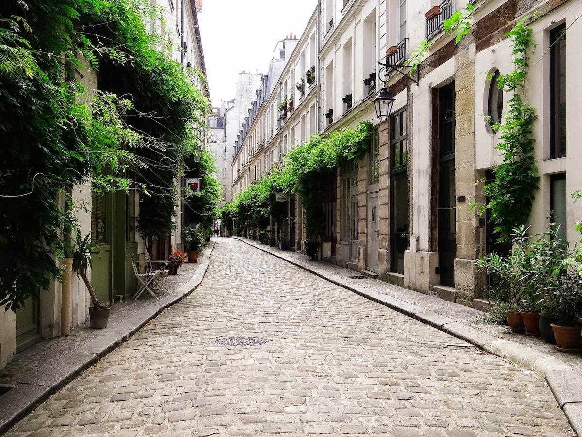 Studio place de la Bastille