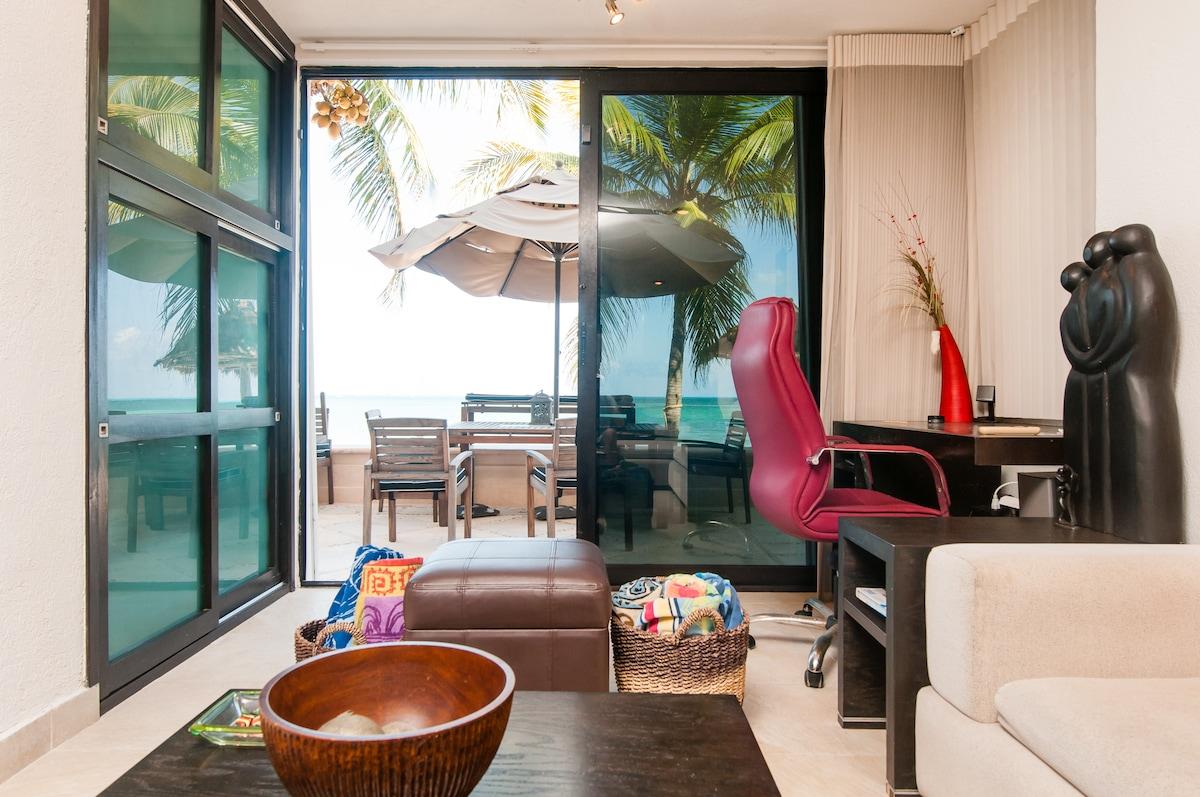 Private room, Beach, Pool in Condo