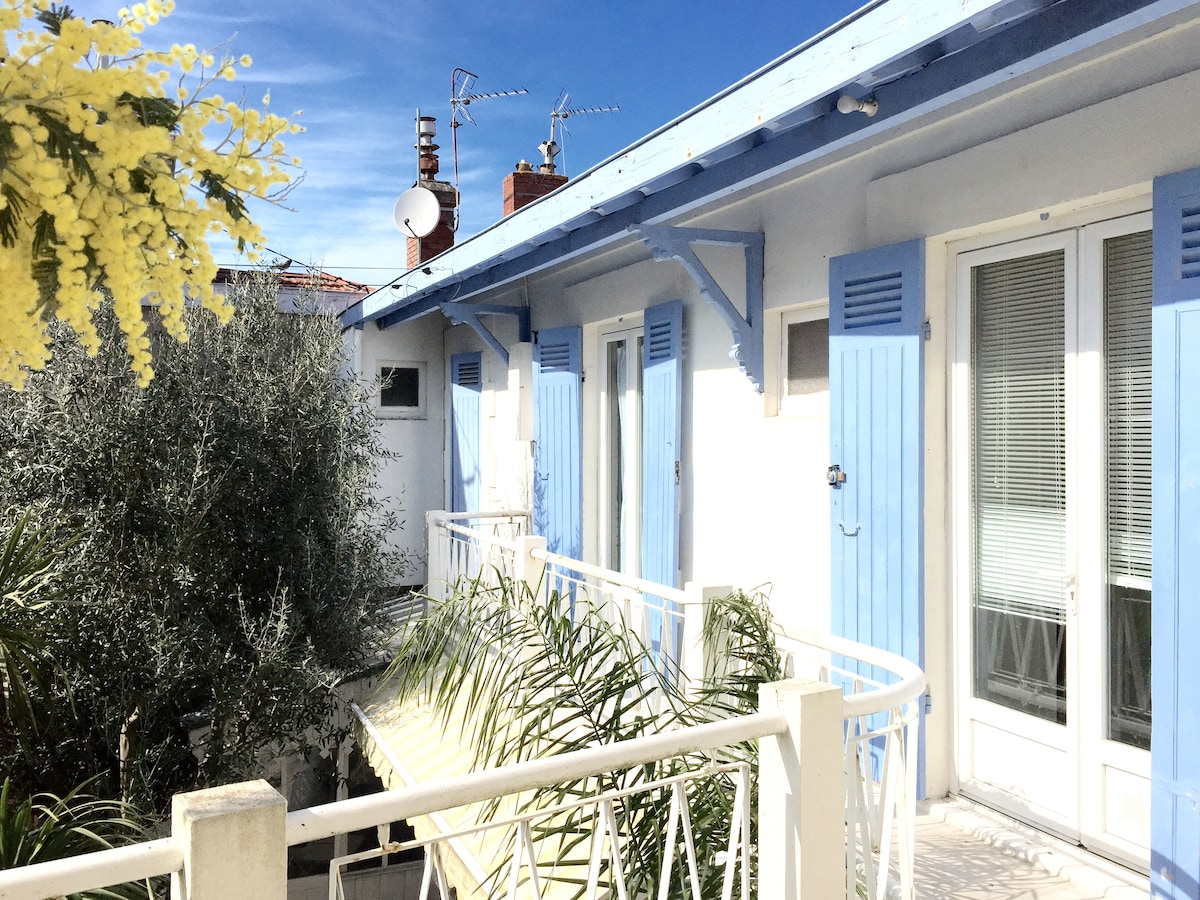 Charming 2bed beach apartment