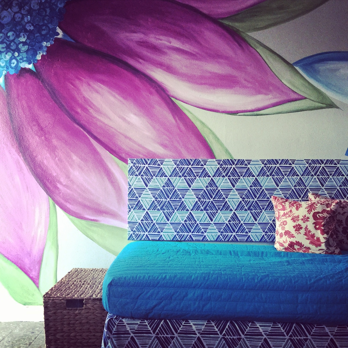 Colorful, Cozy La Pared Beach Apt