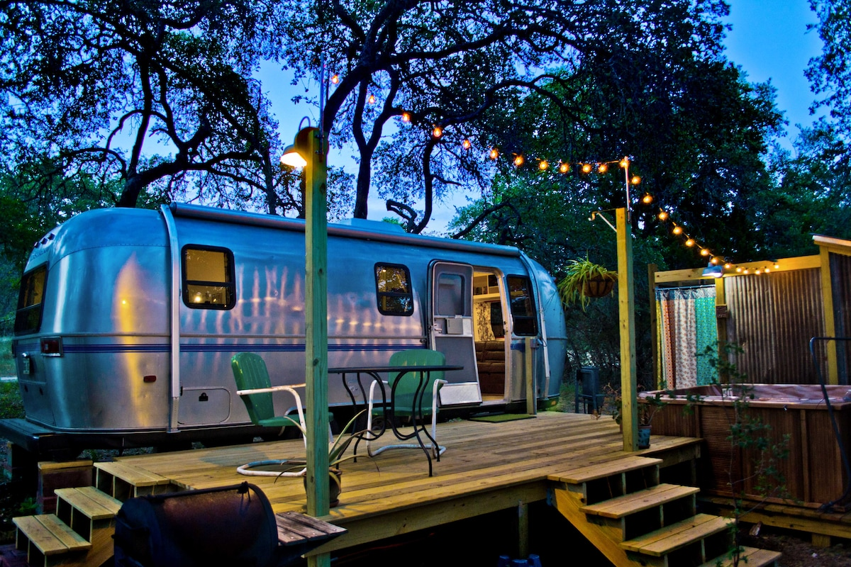 Super Cute Retro Airstream