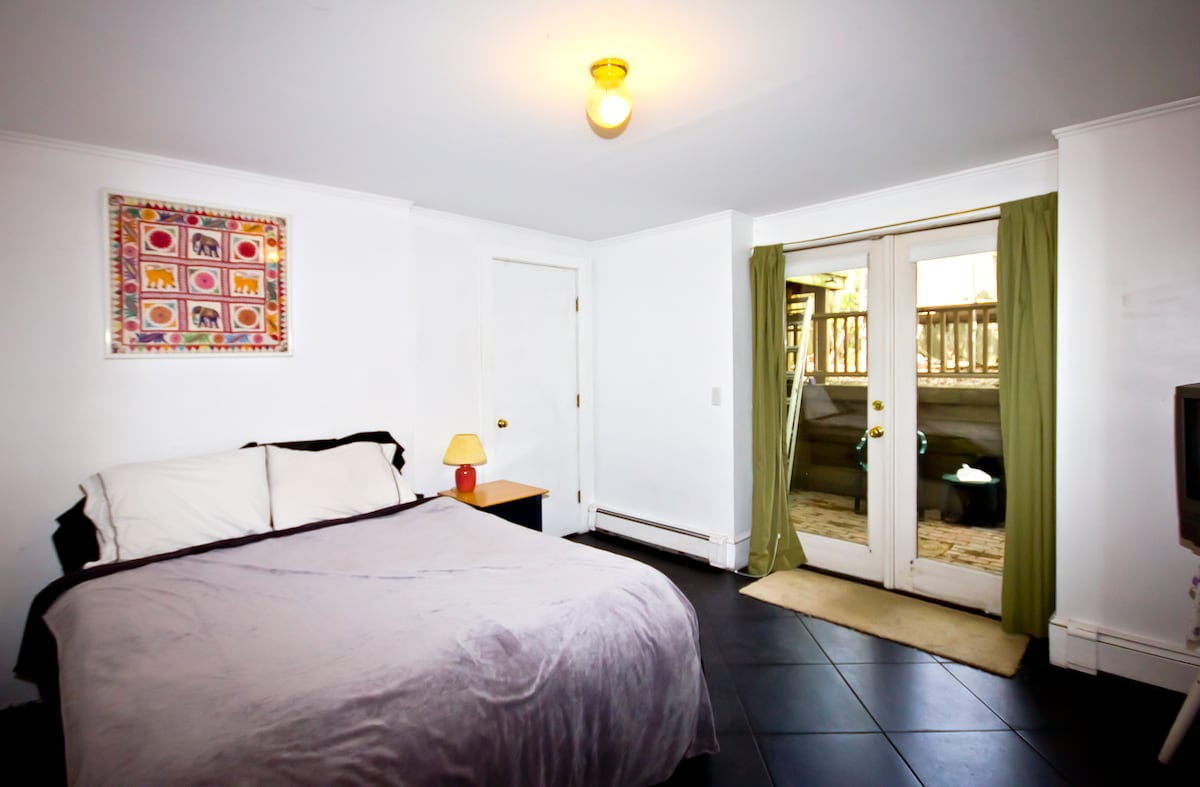 Complete Apartment