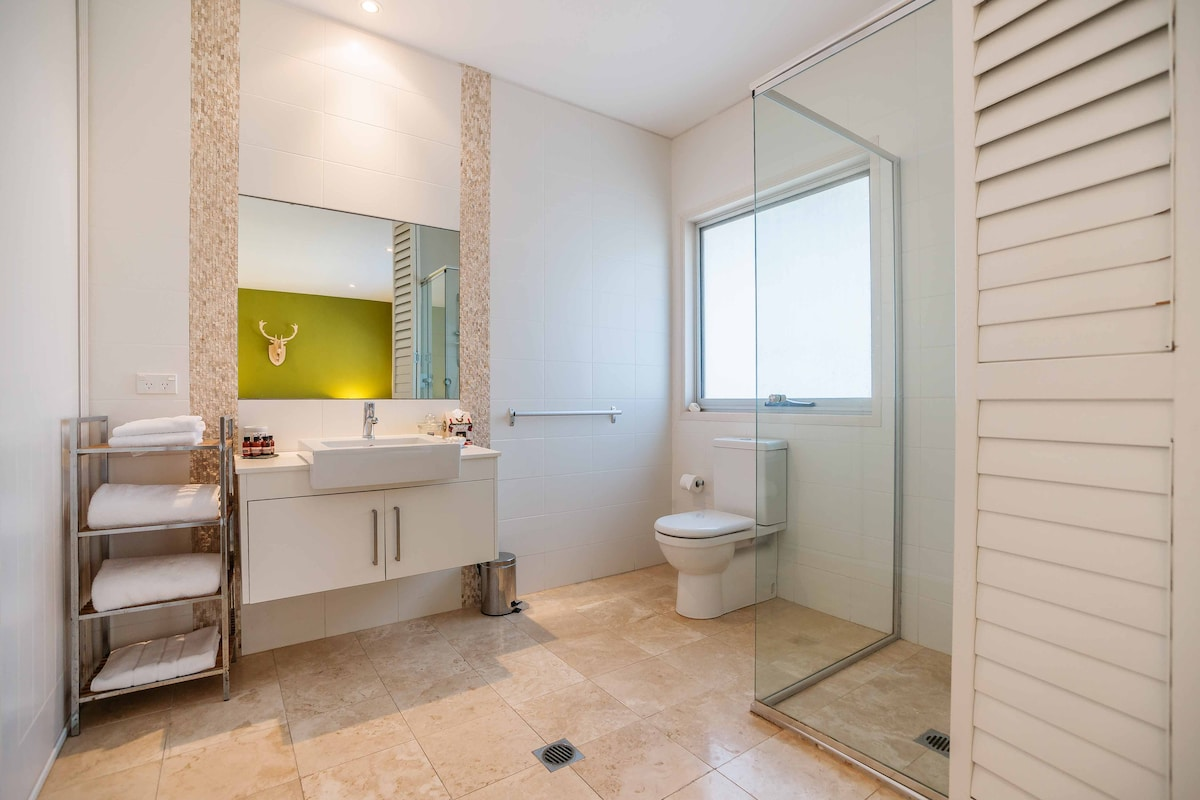 4 star Apartment in Terrigal, NSW