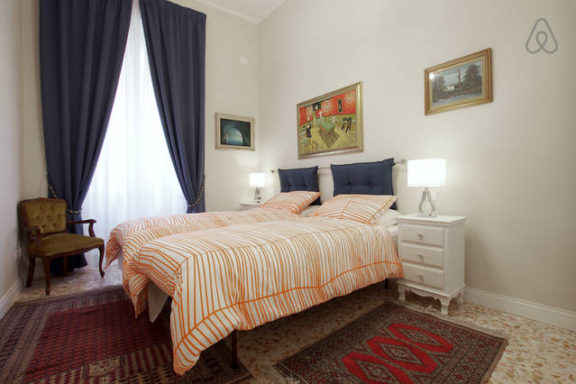 SPANISH STEPS TWIN - DOUBLE ROOM