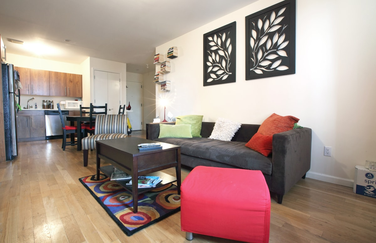 Spacious and Contemporary 1-Bedroom