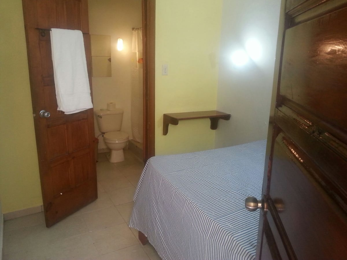 double room @ Foreigners Club
