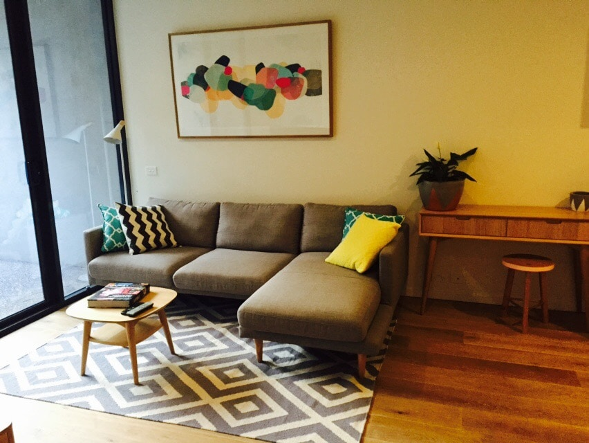 1BD with large backyard & Parking