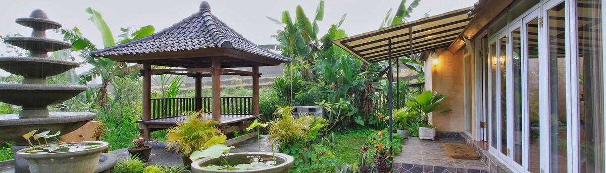 Telaga Sari Villa ( Agung room)