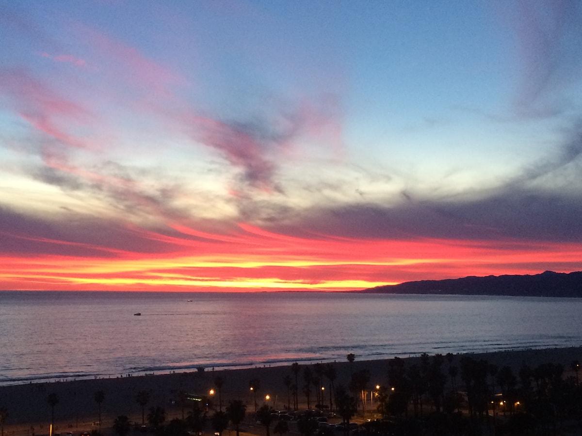 Full Ocean View: Santa Monica