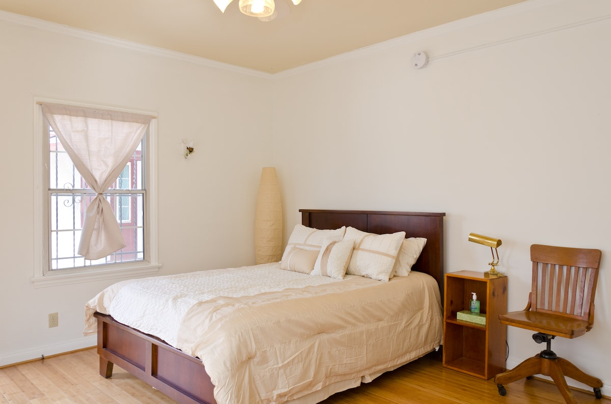 Silverlake Private Room Gated Prkng