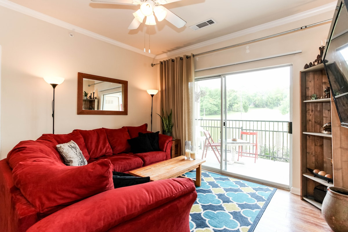 Entire Apt Close to all, Pool/BBq
